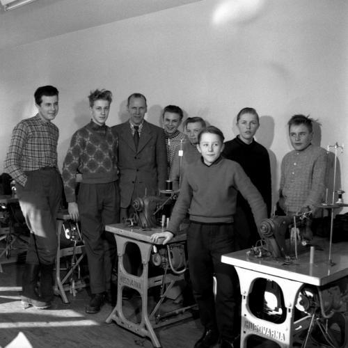 1958 feb 20 Skinnskolan_01