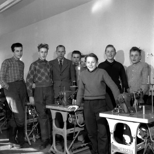 1958 feb 20 Skinnskolan_02