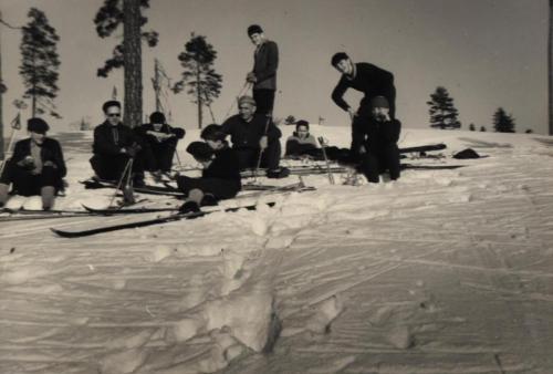 Skidutflykt Byråsen 1960 bild 02 (Namn finns)