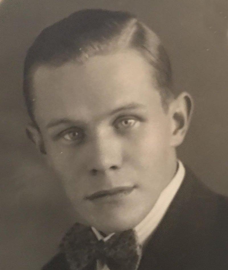 Bäcke Erik Olsson f1907