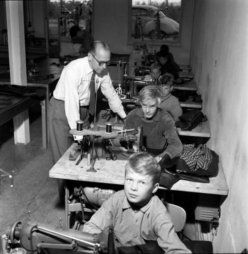 1959 sept Skinnskolan_05